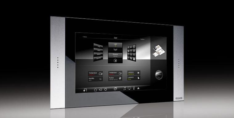 Устройства управления с сенсорными экранами